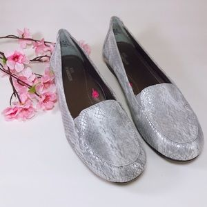 Ros Hommerson Regan Silver Leather Loafers Size 9